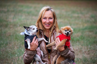 Carla and pups 3